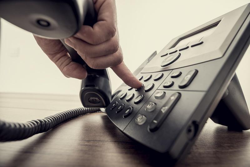 モグワンの定期コースを電話で解約する方法
